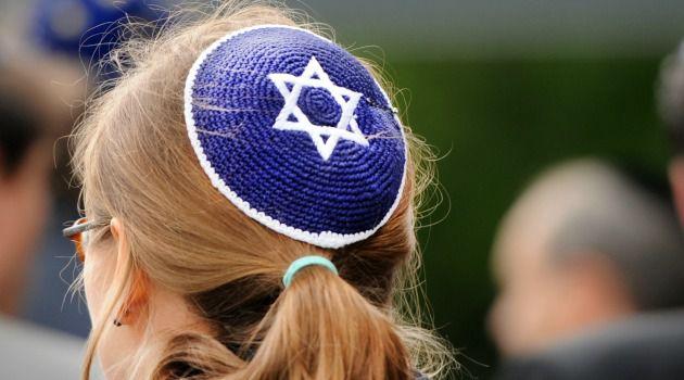 ¿Deben las mujeres cubrirse la cabeza a la hora de rezar?